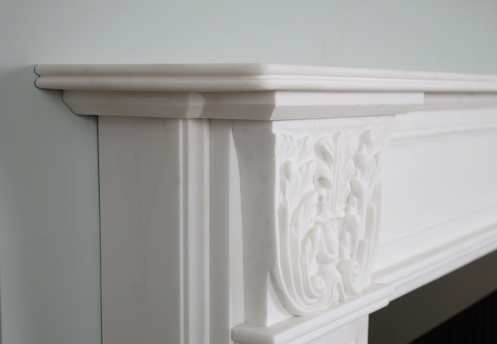 Grosvenor-Limestone-Fireplace-Surround-London-Slider